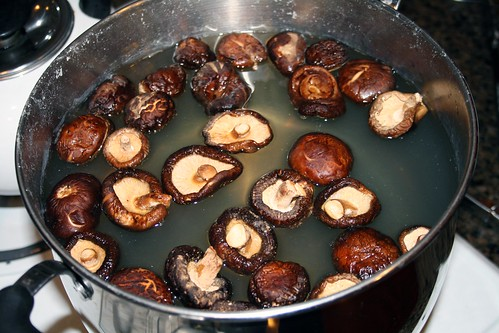 Dried shiitake in water