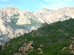 Sommet du Castellucciu : vue vers Punta Lunarda et ses environs