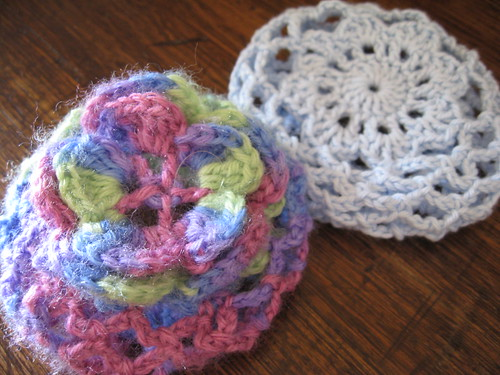 This is a PDF crochet pattern for a sweet Ballerina Bun Cover in 3 sizes, and it's FREE! Skill Level: Easy. All of my patterns are written in U.S. Standard Crochet Terminology/5(23).