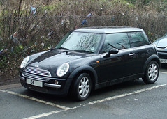 Black BMW Mini Cooper (kenjonbro) Tags: black 2004 mini cooper bmw minicooper petrol newmini 1598cc