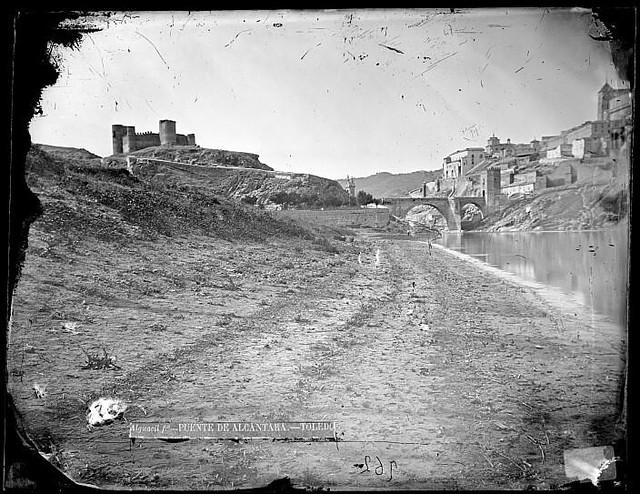 Castillo de San Servando y Río Tajo en Toledo en el siglo XIX. Fotografía de Casiano Alguacil. Ayuntamiento de Toledo