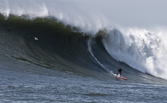 SUP Haley Fiske @ Mav's (davekeane) Tags: surf paddle sup standup paddleboarder mavericks10 haleyfiske