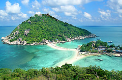 nang yuan island (hadley coull) Tags: travel trees beach nature coral canon thailand island 350d paradise scuba diving palm ko kohsamui tropical snorkelling rebelxt reef koh siam kosamui sai kohtao archipelago kotao nangyuan andaman gulfofthailand suratthani ree
