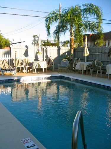 Island Breeze Motel Pool