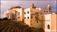 Teatro romano de Cdiz (guillenperez) Tags: espaa art church teatro spain ruins theater arte cathedral roman catedral iglesia andalucia romano ruinas cadiz andalusia