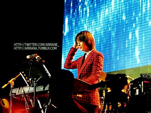 Jonghoon on piano