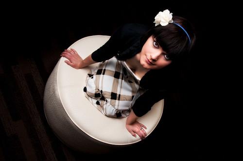 kneeling_dress