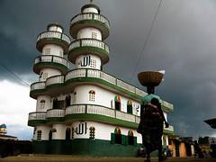 Mosque ARAROMI  Porto-Novo-Benin (Justinsoul) Tags: voyage africa leica trip travel art monument architecture flickr afrika benin monuments paysage pays pais afrique portonovo vlux1 fluidr justinsoul