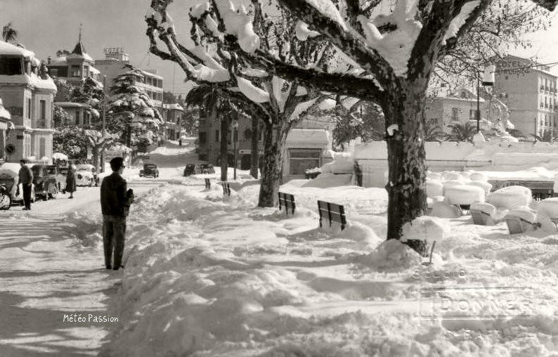 Saint Raphaël sous 60 cm de neige en février 1956