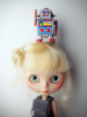 The girl & the robot