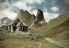 (scifitographer) Tags: house mountain photoshop manipulation photomontage manip 2010 greatphotographers platinumphoto superaplus aplusphoto flickrdiamond theunforgettablepictures bethanthony retroreflectography