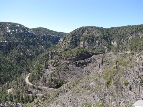 Oak Creek Canyon Drive
