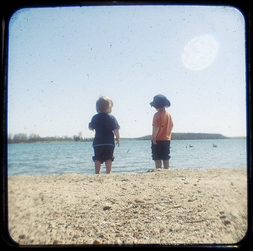 Buddies on the beach TtV