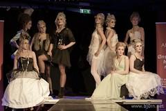 H2-Akademiet (Bjørn Christiansen) Tags: vampire gothic makeup baroque trondheim runway vampires catwalk gløshaugen ntnu sminke vampyr hår rickscafe frisør hovedbygget barokk gotisk vampyrer mariefolstad tinalarsen sirimyran trineeide mariondyrvikhomlong