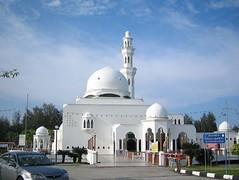 Majid Kuala Terengganu, malaysia (rhmn) Tags: mosque malaysia masjid masajid masjidterapung masjidkualaterengganu