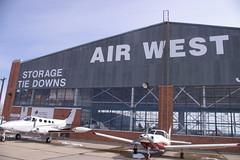 Anglų lietuvių žodynas. Žodis airport reiškia n aerouostas, n oro uostas lietuviškai.