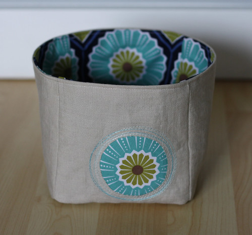 linen peek-a-boo mini bucket