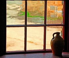 Vase on a Window (Linda Zinter) Tags: explore fortsnelling