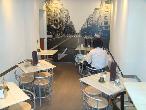 Salón de mesas bajas
