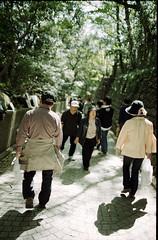 人々 (Nam2@7676) Tags: film japan dof pentax bokeh scan vista 日本 epson 100 agfa lx nam2 77mm silverfast kmount 7676 v750 fa77 smcpfa77mmf18 justpentax gtx970 smcfa77mm118limited yasunarinakamura ナムナム nam27676 中村康就