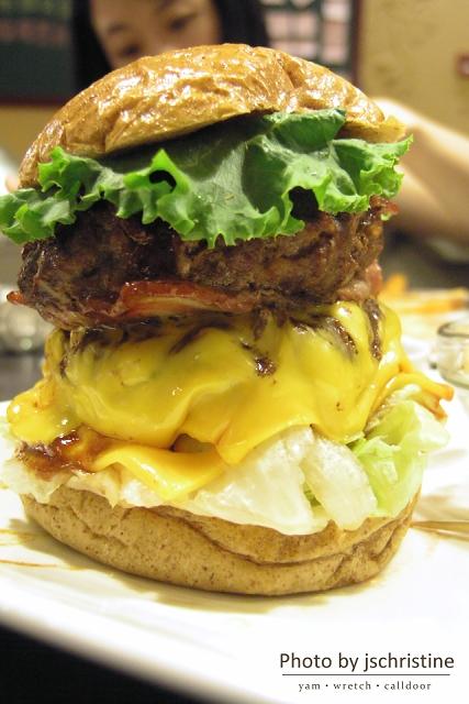 BBQ培根漢堡加蓋合體