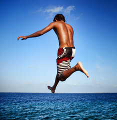 [フリー画像] 人物, 男性, 飛び込む・ダイブ, 201005100900