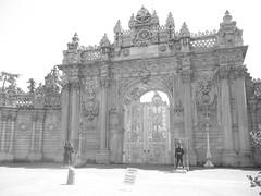 the gates at Dolmabahçe Palace (sftrajan) Tags: bw gate istanbul palace sultan palast palacio nineteenthcentury dolmabahçepalace dolmabahçe ottomanempire dolmabahçesarayı dolmabahçepalast долмабахче دولمابهجه کاخدولماباغچه