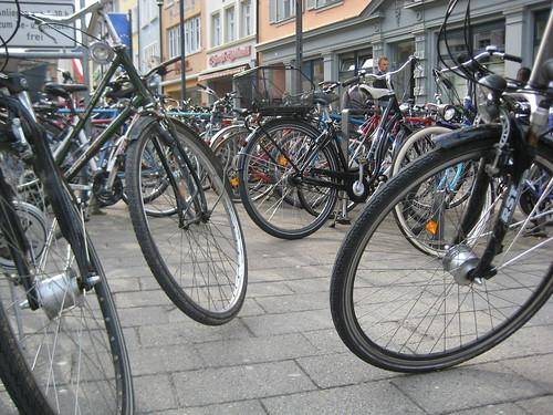 Fahrradparkplatz auf der Marktstätte in Konstanz