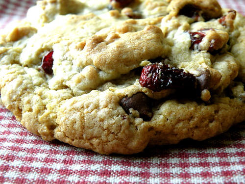 Recipe: Stuffed Oatmeal Cookie blog image 1