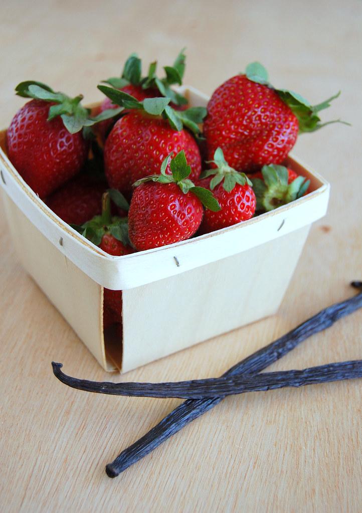 Strawberry tarte tatins / Tarte tatins de morango