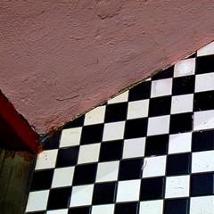 mauve and checks (msdonnalee) Tags: abstract floor diagonal minimalismo abstracto astratto abstrakt checks abstrait minimalisme checkeredtile minimalismus blackandwhitechecks