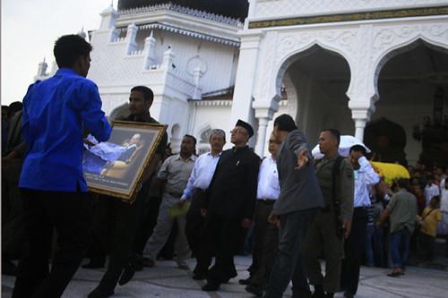 Funérailles de Tengku Hasan Muhammad di Tiro, le 3 juin 2010, à Banda Aceh (www.flickr.com/portaltiga.com).