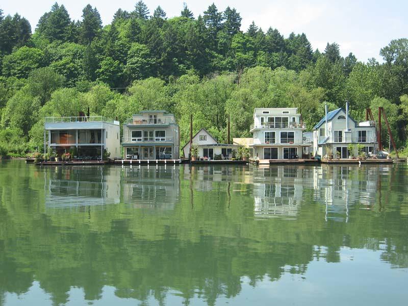 Portland riverboat houses