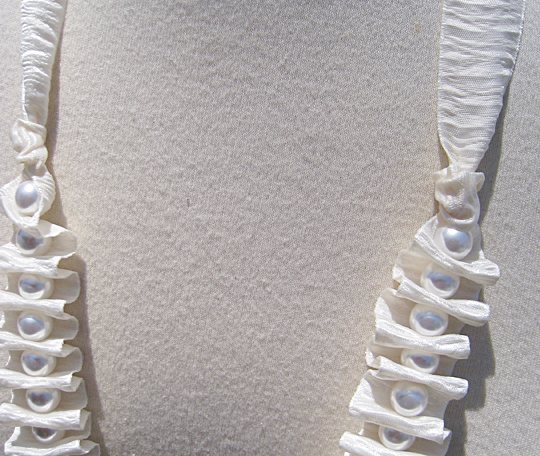 Bark Ribbon and Pearl Necklace -7