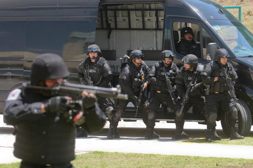Policia de DF - Página 2 4679825693_0a72e790d8_b