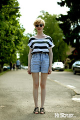street summer portrait people girl sunglasses fashion women stripes style swedish jeans blond shorts rayban eyewear streetfashion streetstyle mölltorp histyley