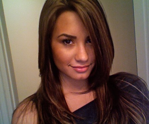 Demi-Lovato-New-Hair-Color