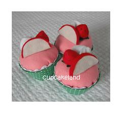 cupcake tecido mod.6 (Cupcakes de tecido Cupcakeland) Tags: cupcakes decoração presentes sache lembrancinhas alfineteiro agulheiro cupcakefeltro docesdefeltro cupcakedetecido lembrançaparachá lembrançaparacasasamento docesemfeltro docesemtecido