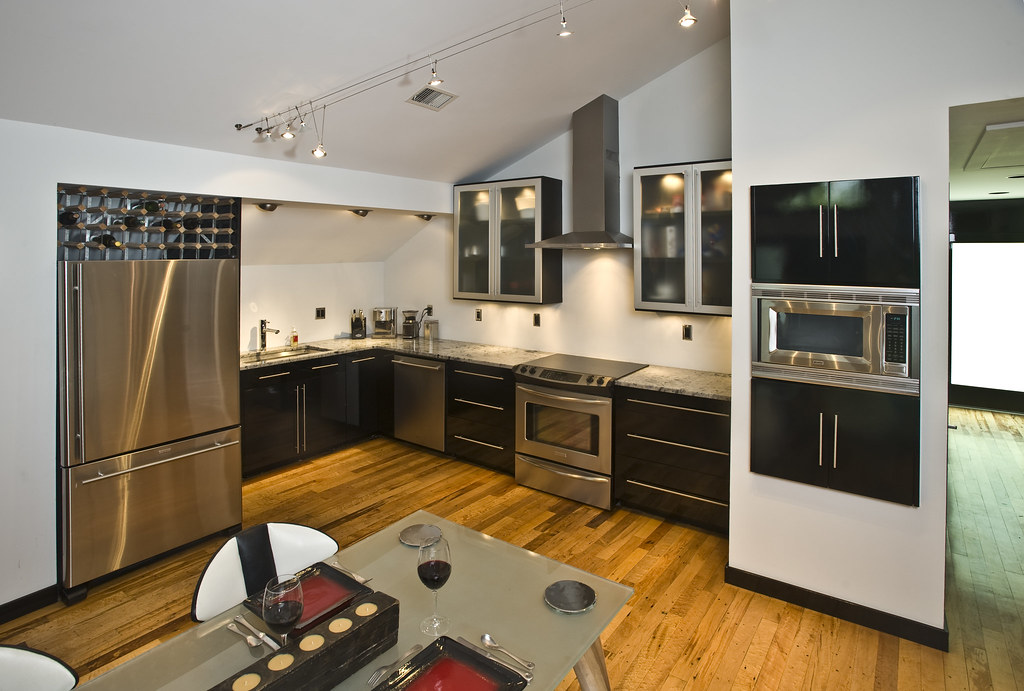 Kitchen (Upstairs)