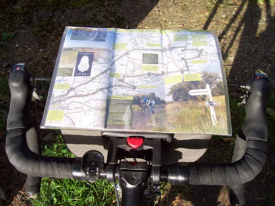 altura_orkney_handlebar_bag_map_view