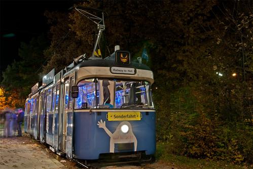 Wagen 2031 als »Halloween-Express« an der Amalienburgstraße