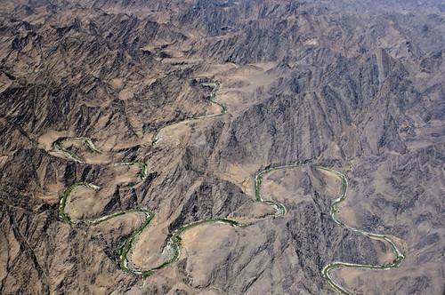 フリー写真素材, 自然・風景, 山, 岩山, 川・河川, アフガニスタン・イスラム共和国,