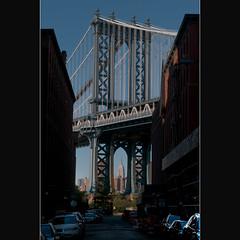 Empire State Building  in  Manhattan Bridge (whc7294) Tags: nyc usa newyork brooklyn dumbo manhattanbridge empirestatebuilding hdr ニューヨーク photomatix 2470mmf28 ブルックリン マンハッタンブリッジ superhearts platinumheartaward nikond300 ダンボ frontstwashingtonst エンパイアステートビルディング
