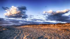 Envie d'ailleurs (Fred&rique) Tags: lumixfz1000 photoshop hdr pyrénéesorientales plage mer méditerranée sable ciel nuage aube paysage nature bleu