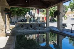 Couleur lavande (PierreG_09) Tags: valensole plateaudevalensole lavande lavandin miel fontaine lavoir paca alpesdehauteprovence bassesalpes provence parcnaturelrégionalduverdon