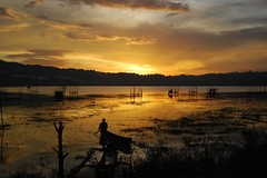 Sunset at Lake Buyan-2 (Mister Sempol) Tags: sunset lake landscapes sampan sore 5photosaday goldsunset buleleng codet lakebuyan