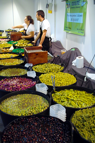 selling-olives