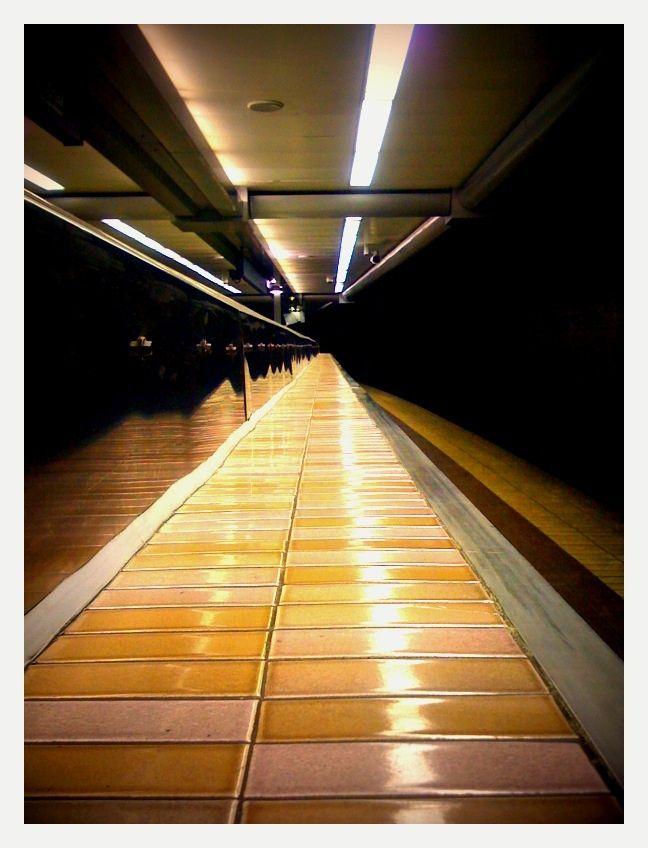 111209_ iPhone_ Argyle Street Station
