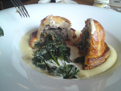 Hinds Head Spinach & Mushroom Pie