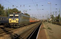 V63 143  Komarom  29.09.00* (w. + h. brutzer) Tags: analog train nikon hungary eisenbahn railway zug trains locomotive ungarn mav lokomotive elok komarom eisenbahnen v63 eloks webru
